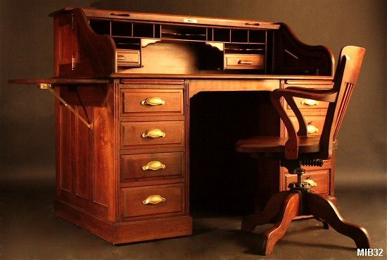 bureau cylindre de type dos d 39 ne vers 1930 de marque franco americain rideau coulissant. Black Bedroom Furniture Sets. Home Design Ideas
