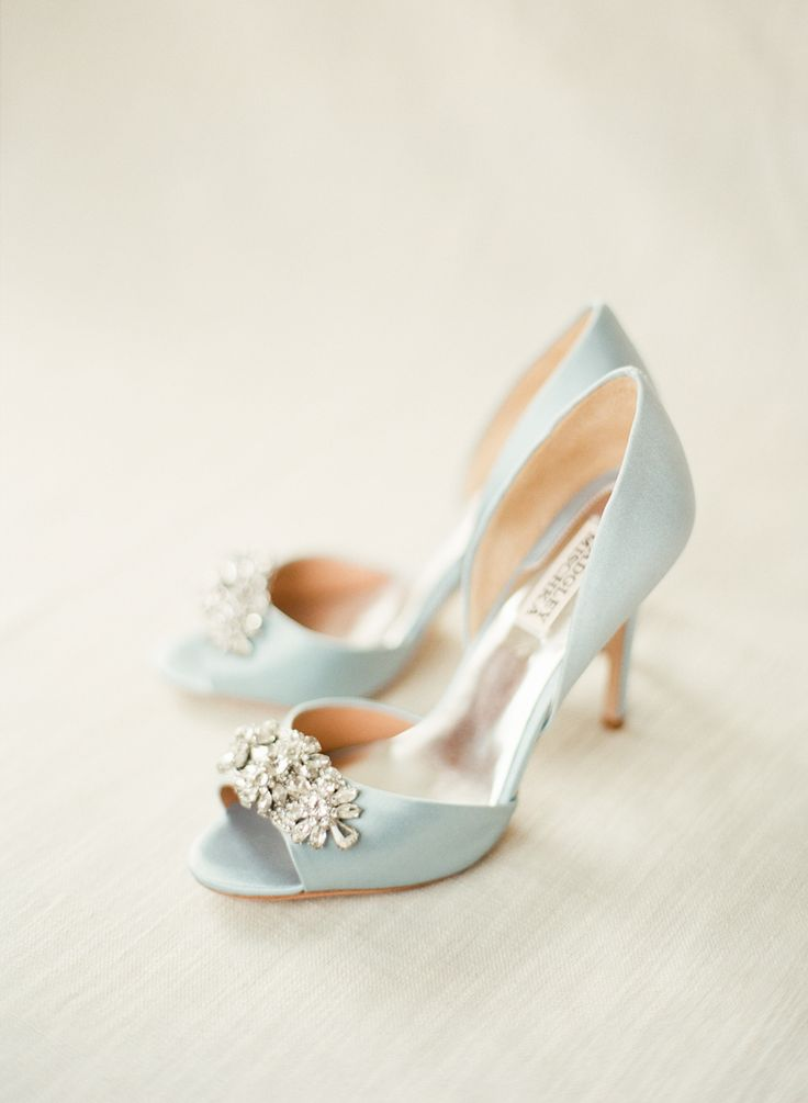 Badgley Mischka Tiffany Blue Wedding Shoes | photography by lindsaymadden