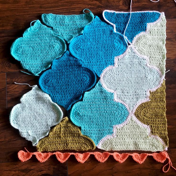 Find this pattern based on mixing simple geometric prints in nursery decor here sy Crochet home decor on pinterest
