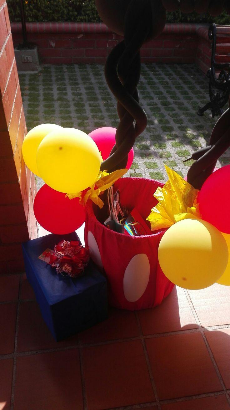 Caja regalos mickey
