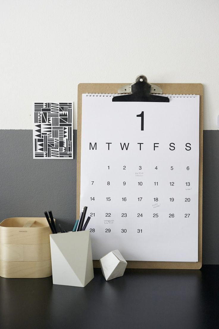 beautiful way to display a calendar - not a note-taking pad with some multidimensional objects and graphic notes