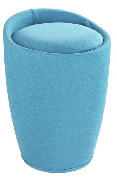 Der trendige Badhocker und Wäschesammler Candy ist aus stabilem ABS-Kunststoff gefertigt. Der Stoffbezug aus Polyester mit der edlen Leinenoptik in türkis macht das moderne Accessoire zum Hingucker in jedem Bad. Auch als Wohnhocker oder im Schlafzimmer bestens geeignet.  Viel Stauraum für Wäsche bietet der praktische Badhocker unter der Sitzfläche. In dem herausnehmbaren Wäschesack finden dekorativ 20 Liter Wäsche Platz bis zum nächsten Waschgang.  Die großzügige, gepolsterte Sitzfläche lädt…