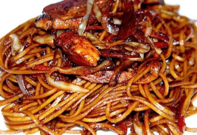 Csirkés kínai pirított tészta