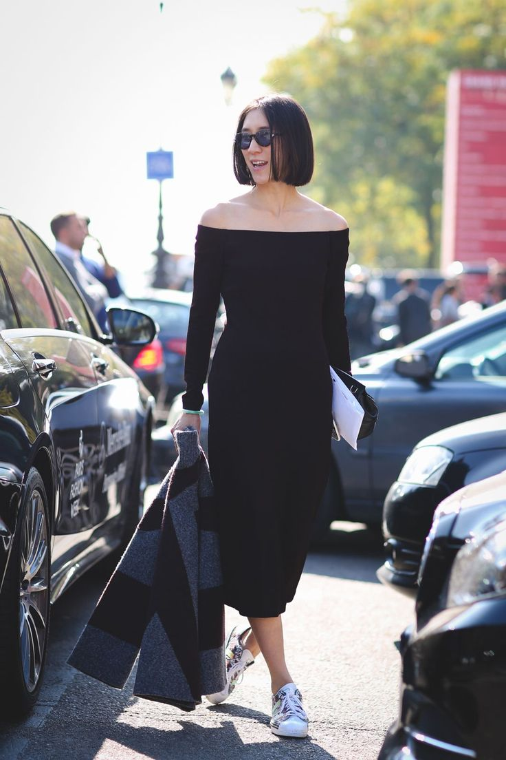 "The Best ""What IS She Wearing?"" Looks From Paris #refinery29  http://www.refinery29.com/2015/10/95202/paris-fashion-week-spring-2016-street-style-pictures#slide-84  Eva Chen going minimal...."