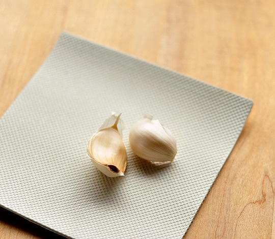 these are amazing garlic peelers