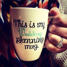 Show your engagament ring holding this super funny mug #Verlobungsring #Verlobung