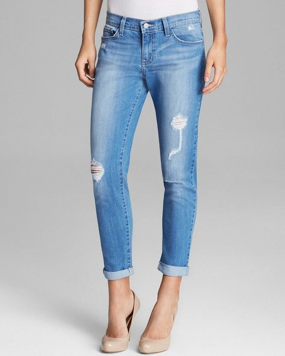 Distressed Jeans // Flying Monkey Jeans in Medium Blue #Shopping #WWWDenimWeek