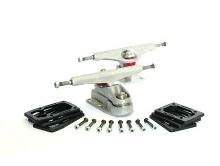 """Carver C7-6.5"""" Raw Truck set. Hanger: 165 mm.  Price is for a set of Trucks  We only ship Carver within the Benelux"""