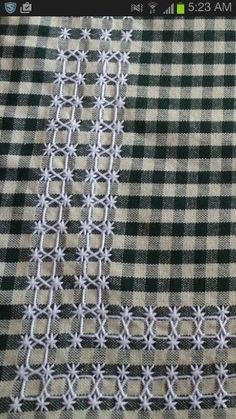 Work with the pattern on the fabric/in the weave