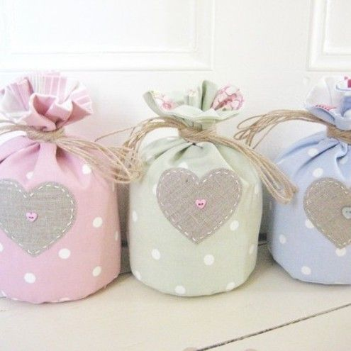 Homemade Doorstops, what a cute idea~These are actually for sale on this site but it shouldn't be to difficult too make. Neat idea.