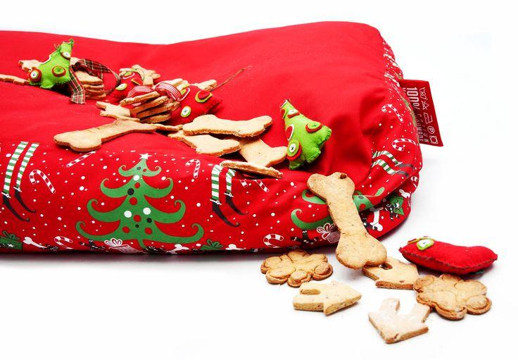 Christmas dog bed / http://petbag.hu/