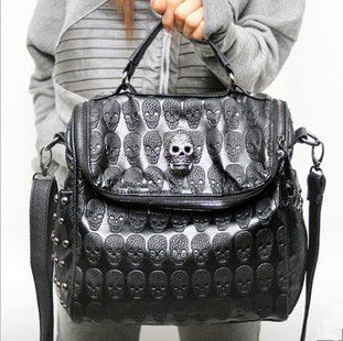 Cool Skull Leather Handbag that I love almost as much as Bree does. Shame I'm soooooo old. Baghttp://www.luulla.com/product/72856/grlhx120082-cool-skull-leather-handbag-shoulder-bag