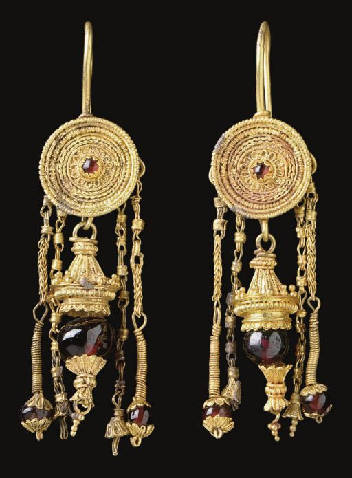 Hellenistic Greek Gold and Garnet Earrings, Circa Late 4th Century BC