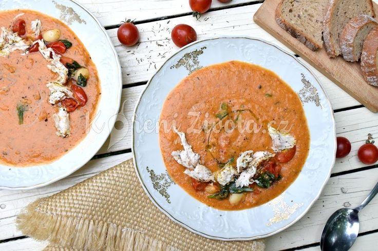 Hustá fazolová polévka s rajčaty inspirovaná Toskánskem | KořeníŽivota.cz