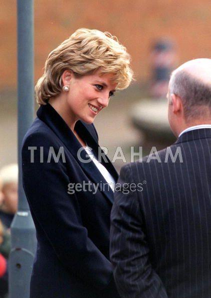 Princess Diana haar handelsmerk: haar hoofd schuin