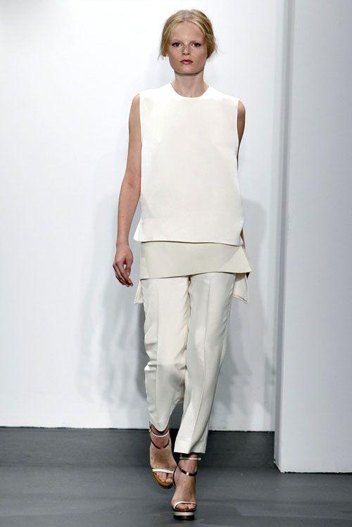 Коллекция белой одежды весна 2011 от Calvin Klein. Minimal