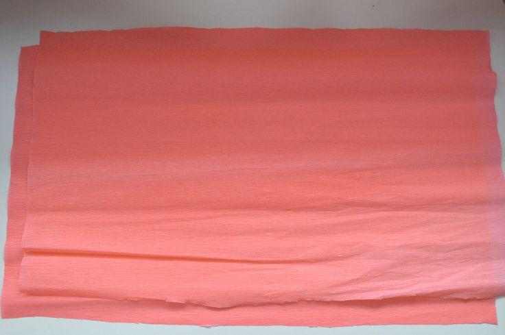 diy guirlandes de pompons en papier cr pon a faire pinterest papier cr pon crepon et. Black Bedroom Furniture Sets. Home Design Ideas
