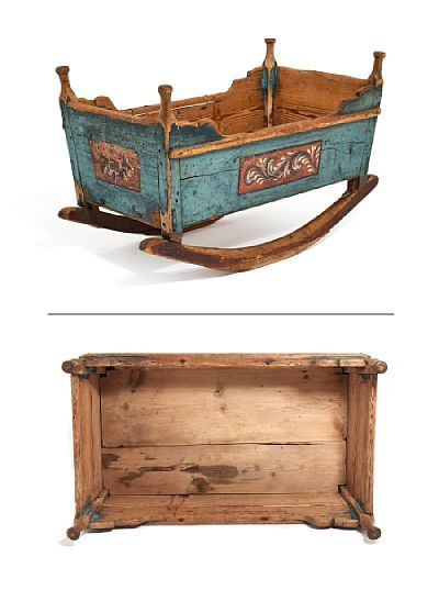 CRADLE  Roros. Bluepainted. Decoration painted strips on a red background at all cradle sides. Early 1800s.