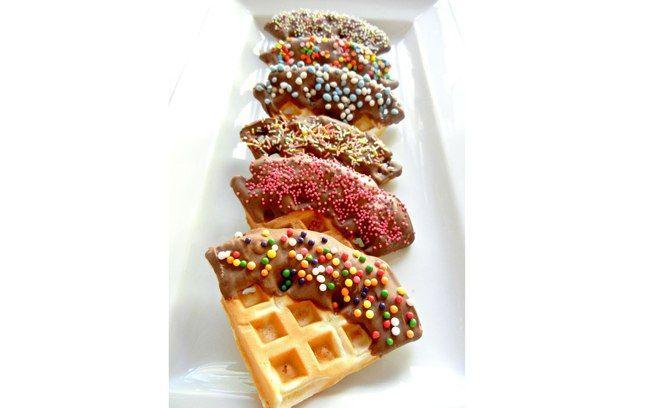 Waffles com as bordas confeitadas – fácil de comer e de preparar!. Foto: Pinterest/ Linda King Wiseman