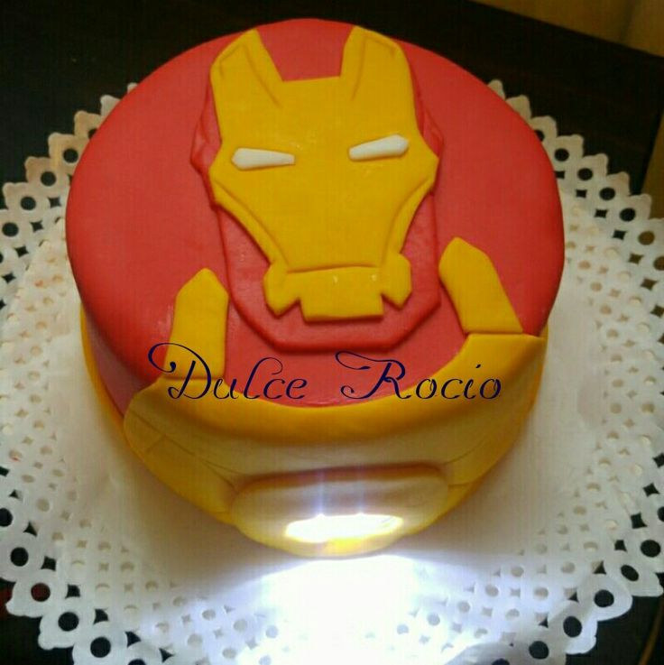 Iron Man cake fondant