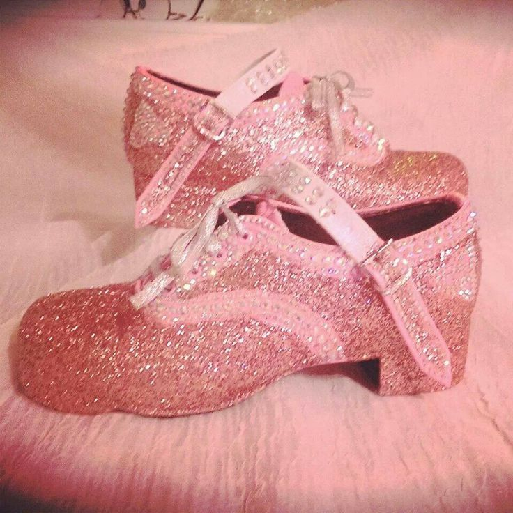 ♥ Irish dance hard shoes, I've been loving the colored shoes!