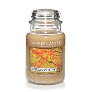 Autumn Woods™ smells of cedar and sandalwood accented with cloves, cinnamon, musk and roses.