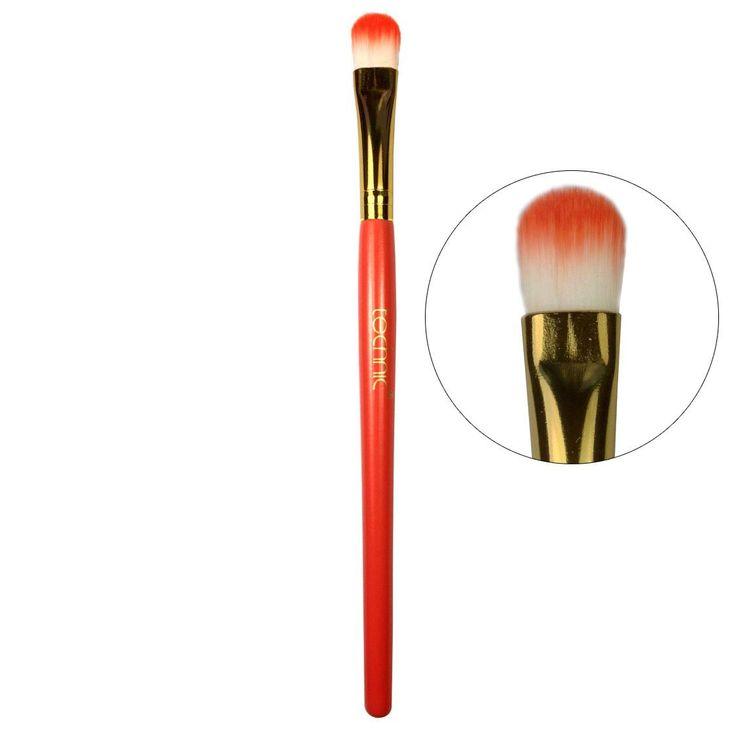 Το Technic 16cm Concealer Brush είναι ένα duo-fiber πινέλο εφαρμογής concealer. Aπλώνει ομοιόμορφα υγρά και κρεμώδη concealer στην ευαίσθητη περιοχή των ματιών.