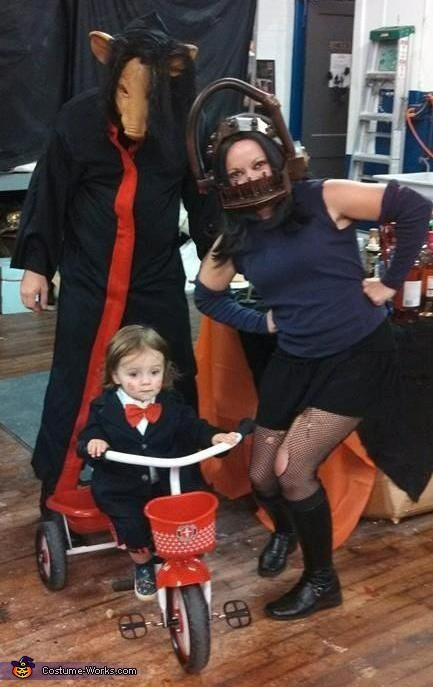 (The Saw Family Halloween Costume)  I love the notion that families can bond over scary movies.