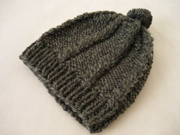 Soft and warm cap, made on the knit. In gray. The circumference of about 55cm, but cap is stretchy. Length 22cm #MariAndAnnieArt