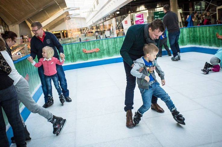 Przez cały grudzień w ramach Świątecznej Krainy Galerii Katowickiej wszystkie dzieci mogły korzystać z bezpłatnego lodowiska na poziomie +2 #GaleriaKatowicka #SwiatecznaKraina http://bit.ly/1IFSiiF
