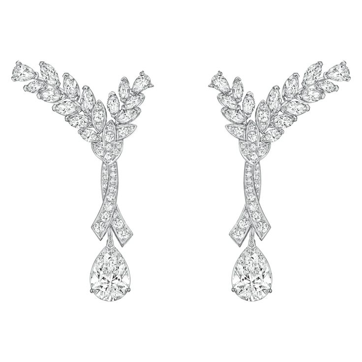Blé Infini #Earrings from #LesBlesDeChanel - #Chanel - #FineJewelry collection in platinum set with 2 #PearCut - #Diamonds (8.4 cts) and #FancyCut diamonds - July 2016