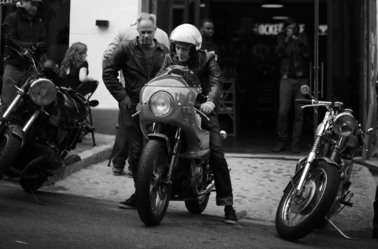 brad and paul at Los Muertos Motorcycles in cape town. pic from my blog, guy with camera.