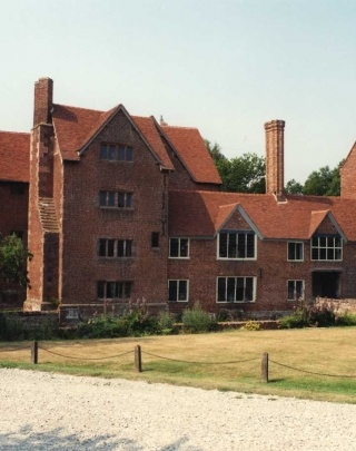 Harvington Hall Product Used: Traditional Colour: Wealden Red