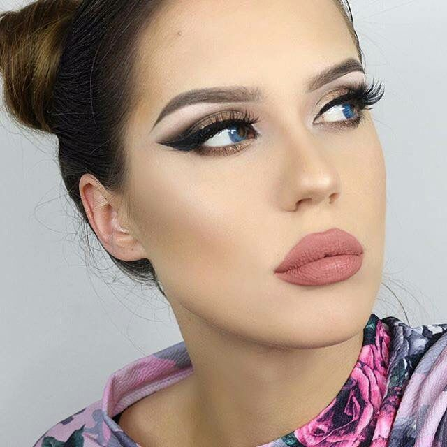 Huda beauty lip contour in bombshell