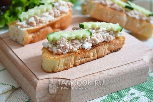 Рецепт бутербродов с печенью трески и яйцом
