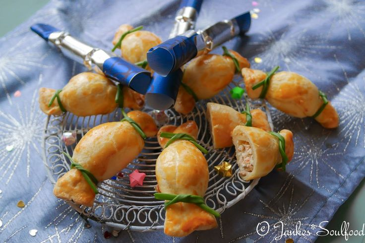http://www.backenmachtgluecklich.de/rezepte/silvester-fingerfood-herzhafte-knallbonbons.html