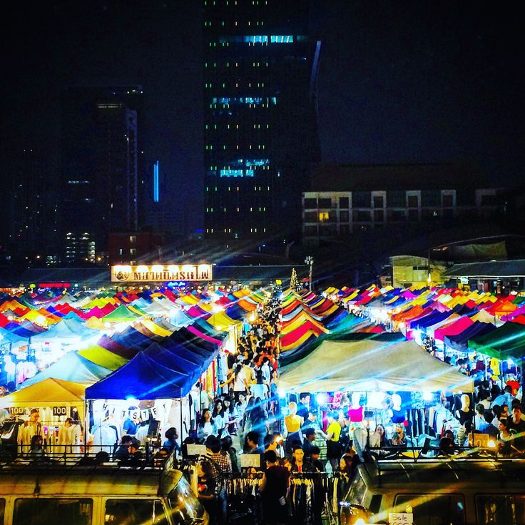 Train Night Market @Ratchada #Bangkok #Thailande