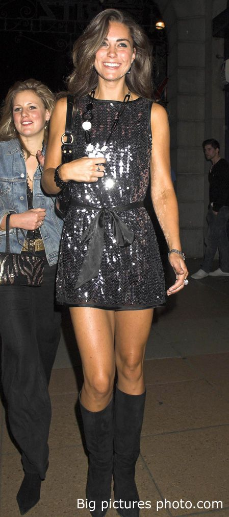 this girl could wear a belted paper sack and look amazing, but the dress, hair, smile, everything... gorge.
