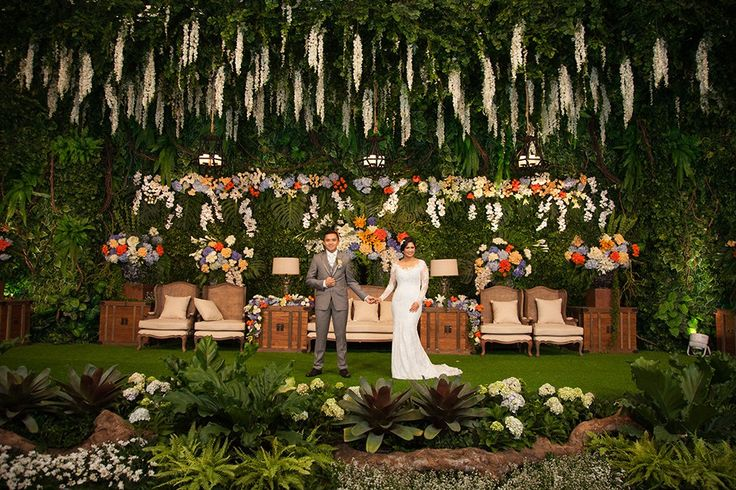 Pernikahan dengan Tema Indoor Garden di Hotel Dharmawangsa - WED160124WAWANNADIA©3308
