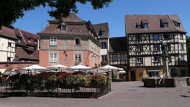 Da Strasburgo a Colmar, alla scoperta della splendida strada del  Riesling, tra cattedrali gotiche, case a graticcio, vigneti e  gastronomia d'altissimo livello