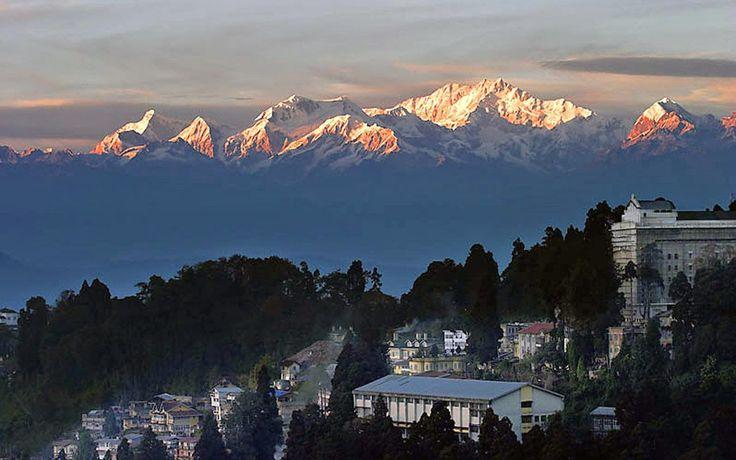 Around The World: Darjeeling:' Dream- Land of the East '