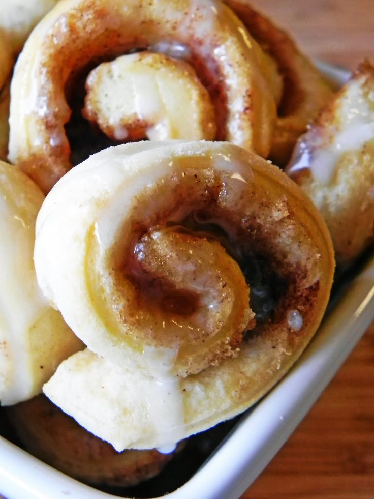 SIMPLE mini cinnamon rolls recipe ~ from canned biscuits