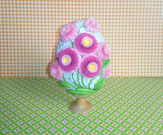 Quilled Easter egg with daisies 3D Quilling egg by QuillingLife