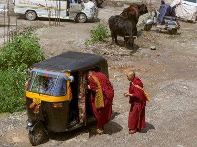 Monks catching a ride, McLeod Ganj, Dharamsala, India #india #travel #tibet #himachal #monks #buddhist #Kamalan