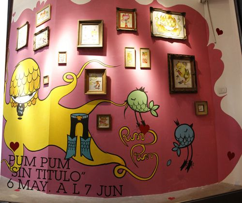 I would love to have this wall in my living-room, painted by Pum Pum