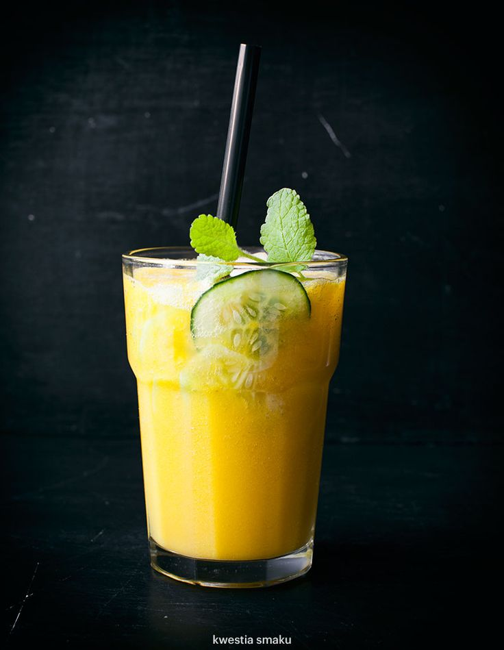 Mango and cucumber smoothie