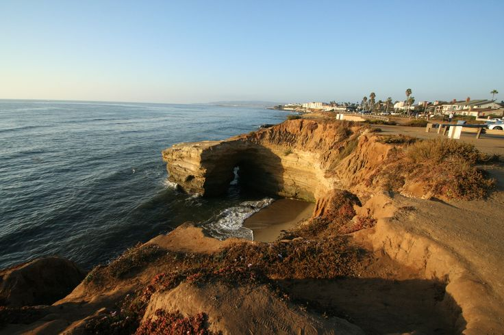 Sunset cliffs in Cali. Spent many a sunset here. Beautiful.: Favorite Spots, Sunsets Cliffs, Houses, Favorite Places, Image, California Dreams, Dwell Places, California Coast, San Diego California