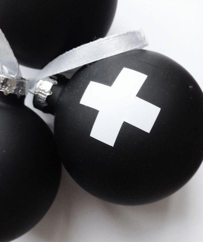 zwarte kerstballen