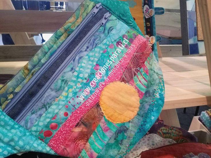 """(@creaciones.para.ti) en Instagram: """"#banano dos bolsillos forrado técnica #patchwork en telas 100% algodón, diseño unico y exclusivo…"""""""