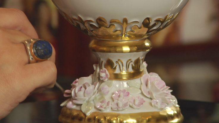 Decorazione vaso porcellana terzo fuoco.